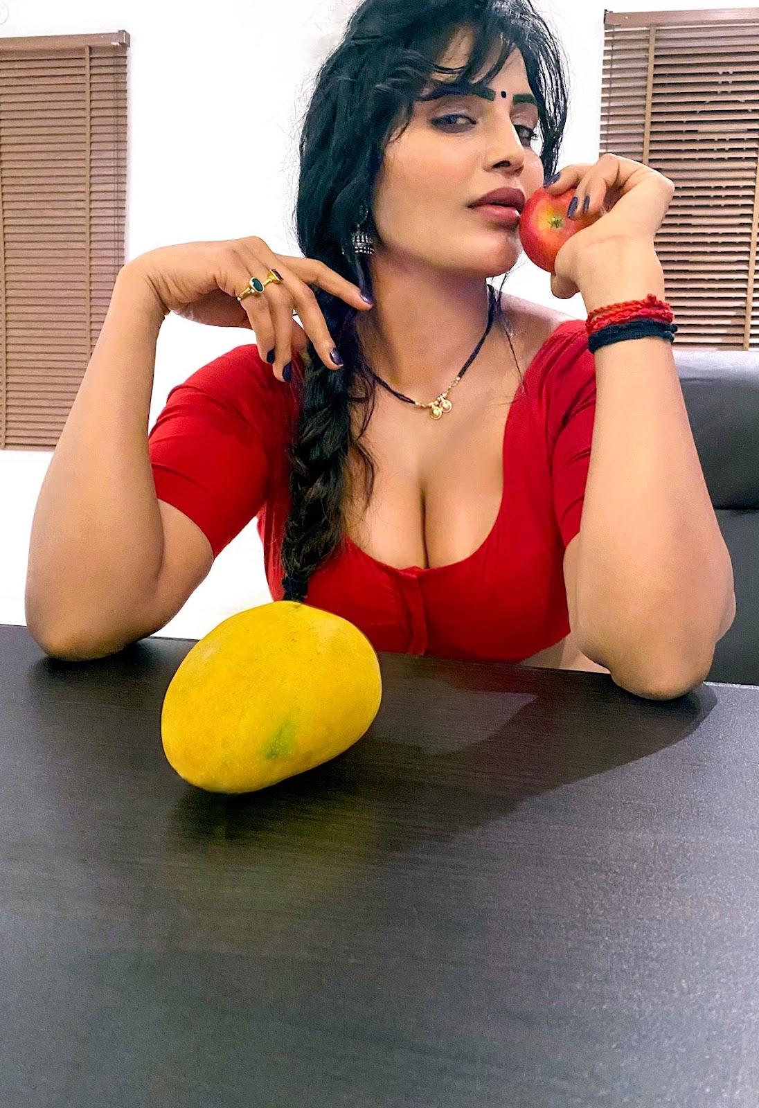 Say hello to Shree Rapaka (Sweety), Ram Gopal Varmas Naked Nanga Nagnam (NNN) actress