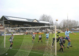 Photo: 15/12/07 v Stevenage Borough (FAT1) 2-1 - contributed by Leon Gladwell