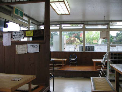 西原そば 坂田店・店内