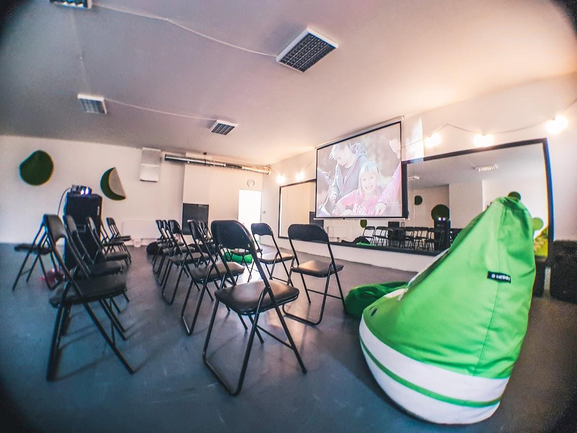 Náš sál a společenský prostor