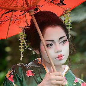 Onnanoko (おんなのこ) by Muhammad Fairuz Samsubaha - People Portraits of Women ( japan, woman, malay, malaysia, beauty, japanese, photo, photography, portrait )