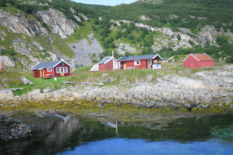 Photo: Hytten http://norgehavsfiske.se/tromso_fiskecamp