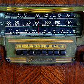 Antique Radio by Millieanne T - Artistic Objects Antiques