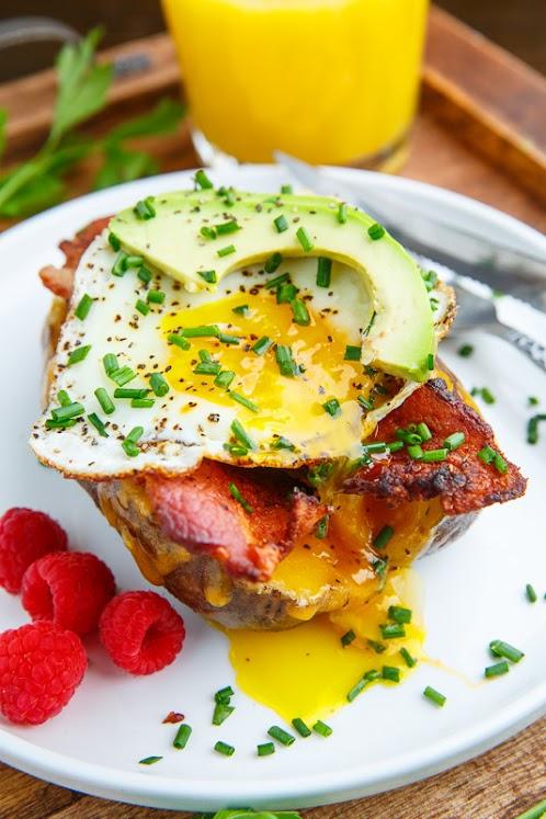 Slow Cooker Breakfast Baked Potatoes
