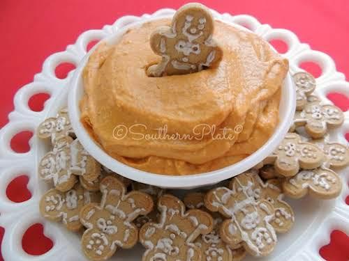 "Delicious Pumpkin Pie Dip ""This delicious pumpkin pie dip, with flavors of..."