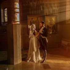 Wedding photographer Vladimir Virstyuk (Sunshinefamily). Photo of 12.02.2019
