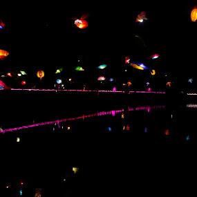 Surabaya Belum Tidur by Dahlia Putri - Uncategorized All Uncategorized ( night view, cahaya, light painting, night shot, night photography )