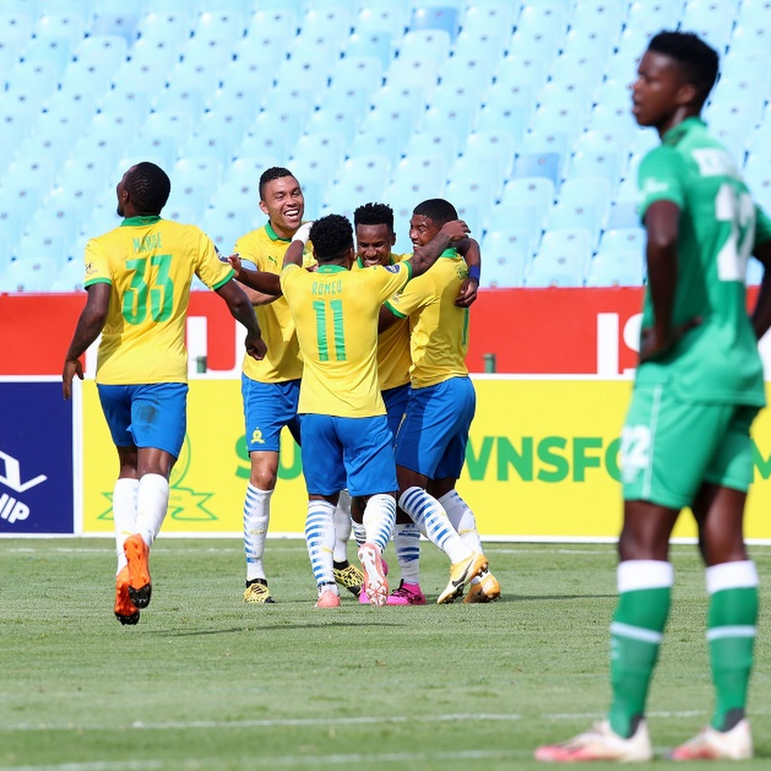 Sundowns Pay Fitting Tribute To Anele Ngcongca With Clinical Victory Over Stellenbosch