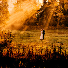 Wedding photographer Wojtek Hnat (wojtekhnat). Photo of 16.10.2018