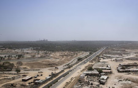 How the brokers of land and power built the Millennium City