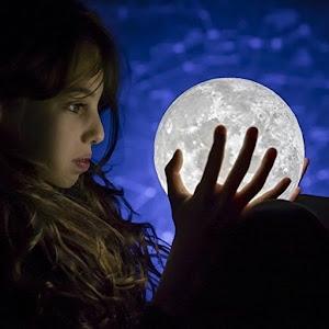 Moon Lamp 3D, lumina LED alb rece, 15 cm, suport metalic alb