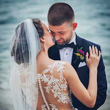 Wedding photographer Petia Emilova (smailka). Photo of 15.08.2018