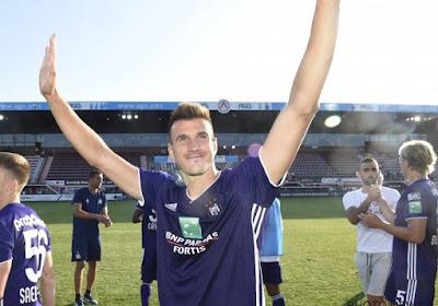"""Eerste match, drie goals voor Santini: """"Twee typische Santini-goals? Nee hoor..."""""""