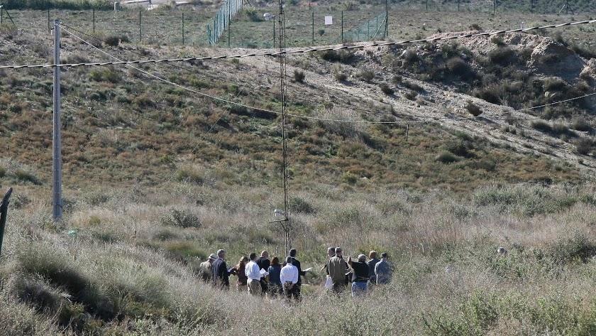 Visita de norteamericanos en 2011 para evaluar la zona contaminada de Palomares.