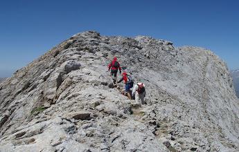 Photo: Un camino bien definido nos llevará por una sencilla cresta hasta la cima.
