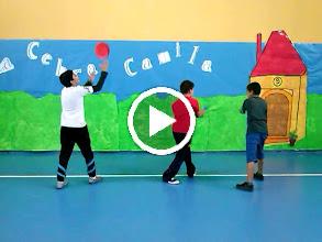 Video: Coreografias de Ed. fisica. Alumnos de 5ºB de Primaria. ¡Buen trabajo campeones!