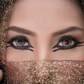 The Eyes by Dokter Ajai - People Fashion