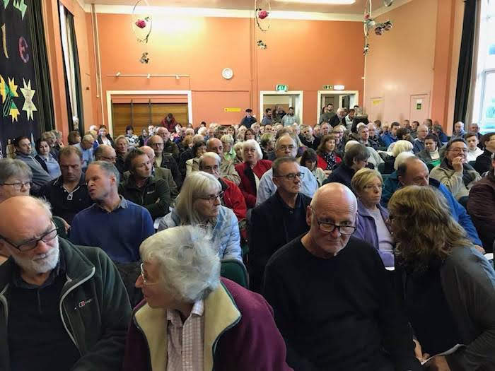 Over 300 people pack anti bulk recycling meeting