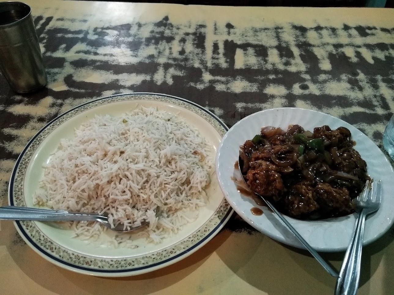 米と肉の炒めのも