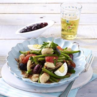 Nicoise Salad with Tomato Vinaigrette.