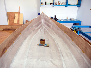Photo: I can't find fiberglass with width larger than the boat... proceed with the 1m cloth anyhow...