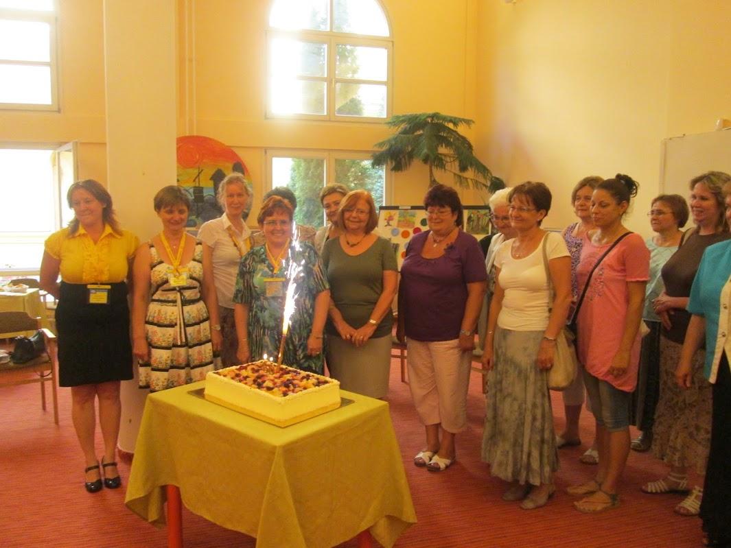 Gyermekkönyvtár csoportkép