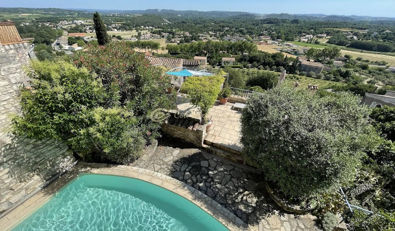 Maison avec piscine et terrasse Vezenobres