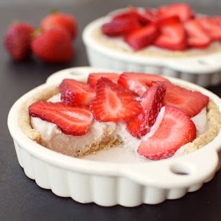 "Dairy Free Breakfast Tarts with ""Bowl of Oatmeal"" Crust"