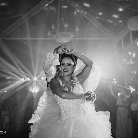 Wedding photographer Jose Fran (50mmfoto). Photo of 31.10.2017
