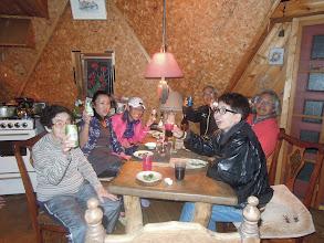 Photo: エイドを設置して、一旦、宿舎に到着。乾杯。サッキー、フラ、けいくん、シブジャガ、プーヒー、オオゴショ