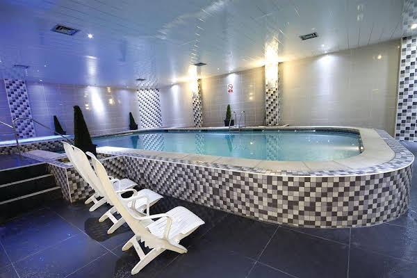 BEST WESTERN Oaks Hotel and Leisure Club