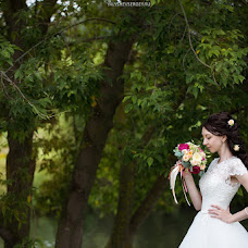 Wedding photographer Sergey Yalyshev (L33s). Photo of 24.10.2013