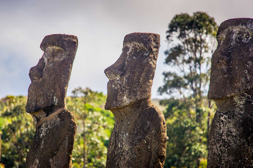 Ponant-Easter-Island3.jpg - See the moai of Easter Island on a Ponant cruise.