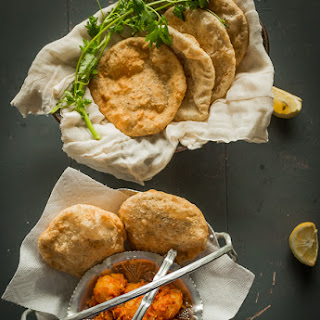 Radhaballabhi & Choti Aloor Dum | Bengali Stuffed Poori with Urad Dhal & Baby Potatoes in Tomato Gravy