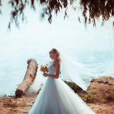 Wedding photographer Natalya Astakhova (AstiN). Photo of 21.12.2013