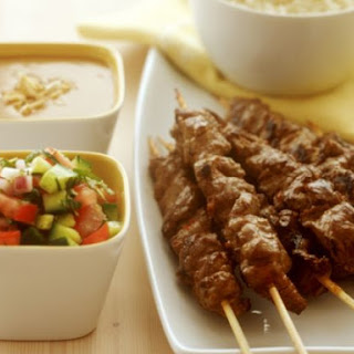 Meat Skewers with Diced Salad and Dip