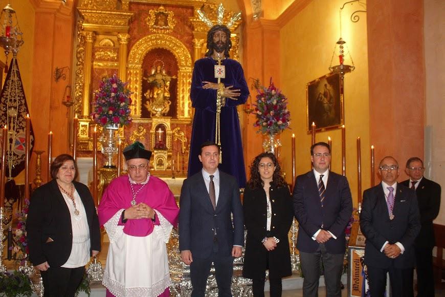 Ante el Señor Cautivo de Medinaceli.