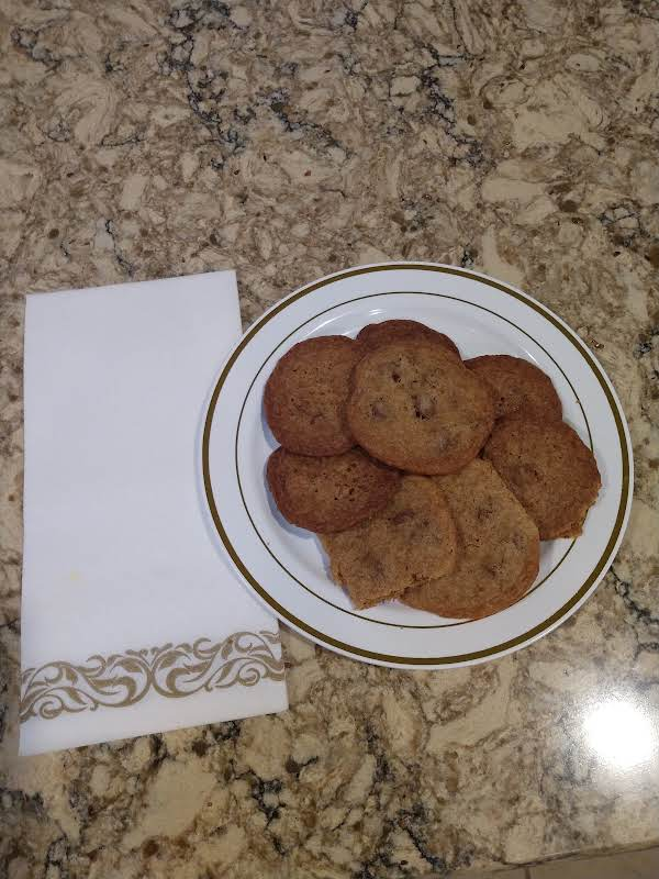I Like Thin Crispy Cookies. Especially Chocolate Chip Cookies. This Recipe Is Delicious.