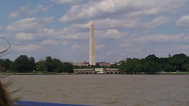 Photo: Washington Monument from the Potomac River