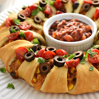 Chicken (or Leftover Turkey!) Taco Crescent Ring.