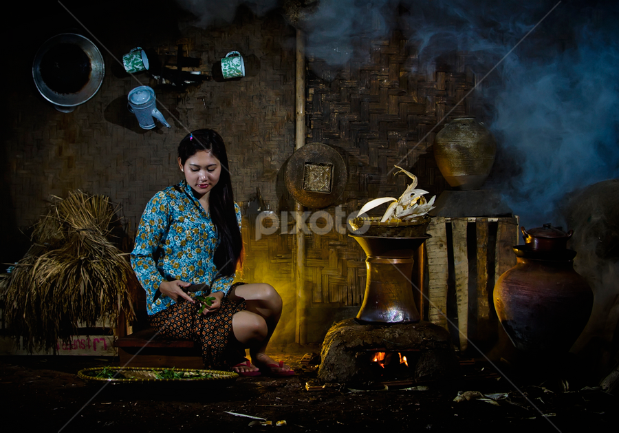 Cooking by Pimpin Nagawan - People Portraits of Women ( human interest )