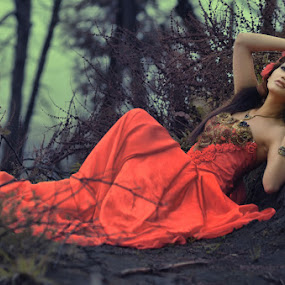 Missing You...... by Endah Dian - People Fashion