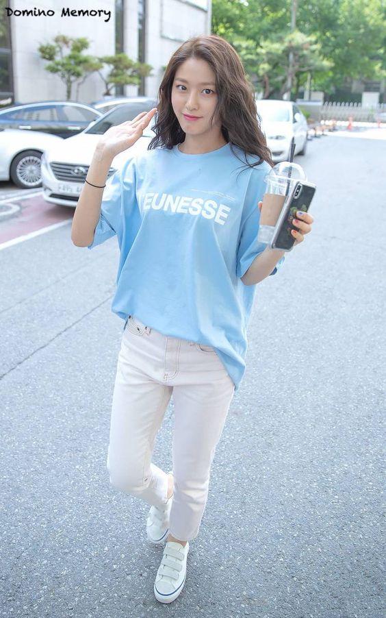 seolhyun jeans 30