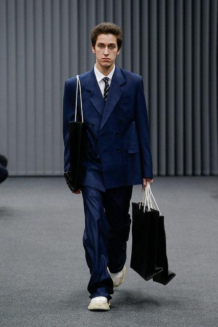 balanciaga_jakkesæt.jpg