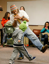 Photo: Multicultural Parent Support Group for Spanish-speaking Families, December 2, 2013 (Vanderbilt University/Joe Howell)