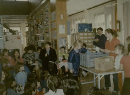 Gyerekek a könyvtárban 1992