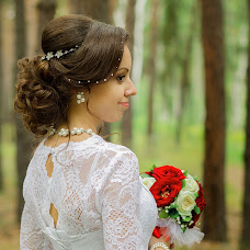 Wedding photographer Elina Mnushkina (Elis). Photo of 25.11.2015