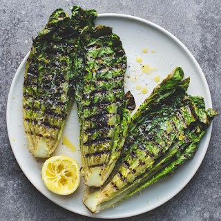 How to Grill Lettuce + Simple Grilled Romaine Salad Recipe {video}.