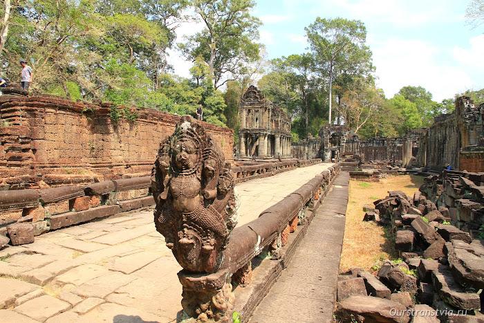 Преа Кхан - храм большого круга Ангкора