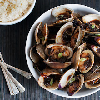 Wok-Tossed Clams in Black Bean Sauce